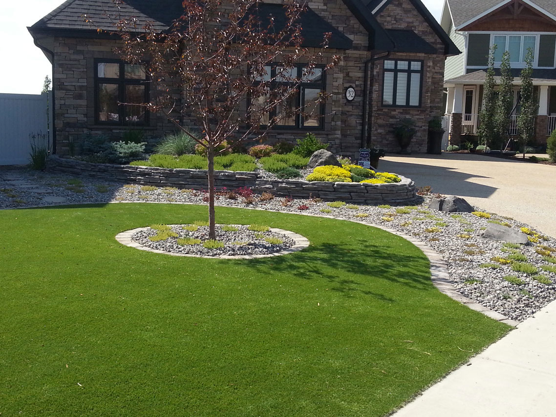 Minimal maintenance creative landscape design for Garden lawn maintenance